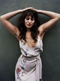 Lola Kirke flaunts her armpit hair in So It Goes #7