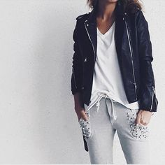 Instagram media by susanapinh - #rockandpearls #casual #outfitdetails #jacket @the_amity_company