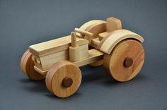 Holztraktor Traktor  Wie man einen Spielzeug Traktor aus Holz baut.  How to Build a wooden toy tractor  DIY