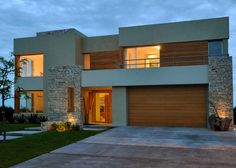 Arquinova Casas - Fredi Llosa - Casa estilo actual racionalista - PortaldeArquitectos.com Architecture Building Design, Modern Architecture, House Front Design, Modern House Design, Faux Stone Walls, Villa, Suites, House Plans, House Styles