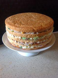 Farmor hygge : Mors dag - nu med smørrebrødslagkage Cooking Cookies, Good Food, Yummy Food, Danish Food, Salty Cake, Fish And Seafood, Food Videos, Sweet Recipes, Tapas