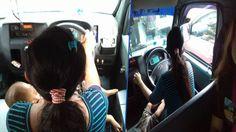 Foto Seorang Ibu Sedang Kemudikan Angkot Sambil Susui Anaknya Viral di Facebook