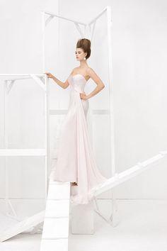 Collezione Vision 2014 - Elisabetta Polignano: abito da sposa lungo con corpetto a cuore #wedding #weddingdress #weddinggown #abitodasposa #minidress