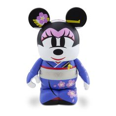 This 3-inch figure releases on Friday, August 3, 2012 and retails for $9.95. This figure, designed by Chiaki Tanaka, features Minnie Mouse in the traditional kimono.
