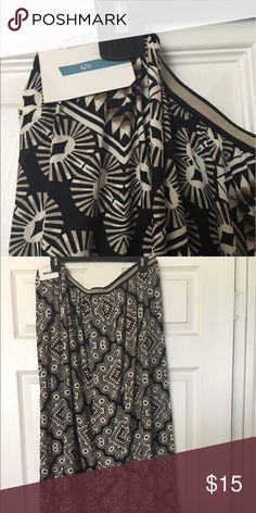 Old Navy Maxi Skirt A black and cream Maxi skirt. The skirt is brand new and has an elastic waste. The material is soft and light. Please make and offer❤️Happy Shopping😃 Old Navy Skirts Maxi