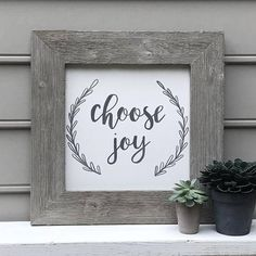 Choose joy, dont be carried by the day, make your own decision to be joyful! Hand-painted (no vinyl! Farmhouse Signs, Rustic Farmhouse, Folded American Flag, Diy Wall Art, Wall Decor, Joy Sign, Barn Wood Signs, Choose Joy, Hand Painted Signs
