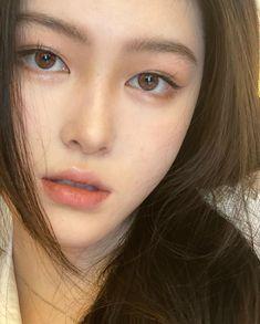 Makeup Korean Style, Korean Beauty, Asian Beauty, Sacs Louis Vuiton, Perfect Nose, Asian Eye Makeup, Indie Girl, Asian Eyes, Ulzzang Korean Girl