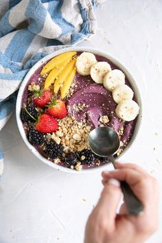 acai bowl recipe easy how to make ; Acai Bowl Recipes Healthy, Smoothie Recipes, Healthy Snacks, Healthy Fats, Healthy Protein, Snacks Saludables, Aesthetic Food, Smoothie Bowl, Fruit Smoothies