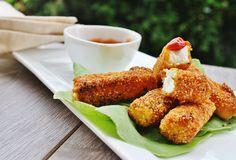 Dale variedad a tus platillos con esta receta de Dedos de queso acompañado de queso Philadelphia, ¡rico y saludable!