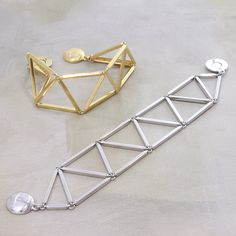 personalized bracelets Ideas, Craft Ideas on personalized bracelets Wire Wrapped Jewelry, Beaded Jewelry, Handmade Jewelry, Jewellery, Jewelry Accessories, Jewelry Design, Beaded Bracelet Patterns, Personalized Bracelets, Jewelry Crafts