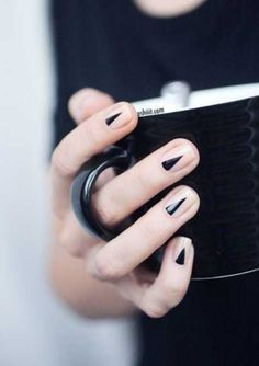 Five Bold Black Nail Designs