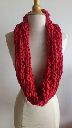 Round stone red knit scarf in tshirt yarn by PuceKnitting on Etsy, €30.00