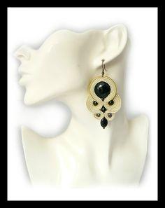 Soutache earrings nude ecru black Maya's design by Mayasbijou €12.15 EUR on Etsy.com