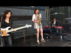 Video from our gig at Rosenmarkt Heilbronn of Susanne Alt together with Phaedra Kwant and Daan Herweg. If the summer doesn't come to us we bring the summer to you... http://www.susannealt.com/weblog/gig-vids-summer-vibes-from-southern-regions/ #summer #jazz #sax #bass #keys #outdoor #openair #festival #almostacoustic #fun #roses #market #heilbronn
