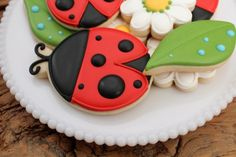 I doubt I would be able to recreate these cookies but they are as cute as a bug!
