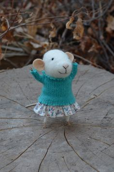 Little Coquete Mouse  Felting Dreams  READY TO by feltingdreams, $68.00