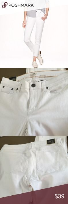 JCrew White Skinny Jean Brand new with tag. Inseam 26 J. Crew Pants Skinny