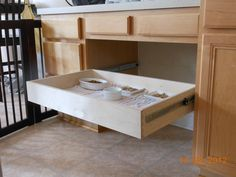 1000 images about dog proof cat feeding station on pinterest dogs. Black Bedroom Furniture Sets. Home Design Ideas