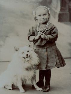 CDV: Adorable LITTLE GIRL with cute SPITZ DOG; Germany, c. 1905
