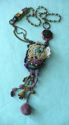 Bijoux ~ now THIS is a gypsy charm necklace!!!