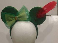 Unique Peter Pan Inspired Disney Headbands perfect for the Disney lover. Diy Disney Ears, Disney Mouse Ears, Disney Hair, Cute Disney, Disney Style, Mickey Mouse, Disney Headbands, Ear Headbands, Disneyland Trip