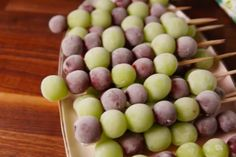 These Champagne Infused Grapes Are Everything You Need to Welcome the New Year Alcohol Infused Fruit, Infused Sugar, Infused Vodka, Sugared Grapes, Cocktails, Drinks, Beverages, New Years Dinner, Frozen Grapes