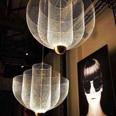 Exklusiv inredning från kända designers - Nordiska Galleriet Chandelier For Sale, Chandelier Lighting, Moooi Lighting, Modern Chandelier, Lighting Ideas, Modern Lighting Design, Interior Lighting, Grand Hall, Isamu Noguchi
