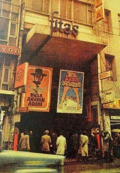 Beyoğlu Fitaş... Historical Pictures, Movie Theater, Once Upon A Time, Istanbul, The Good Place, Nostalgia, United States, Europe, History