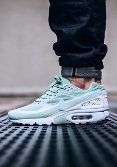 81e9d6dad5e671 Nike Air Max BW  Mint  (via Kicks-daily.com) Nike
