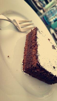 The worlds best chocolate cake - Backen - Blechkuchen Easy Baking Recipes, Easy Cake Recipes, Sweet Recipes, Just Cakes, Cakes And More, Best Chocolate Cake, Chocolate Chocolate, Creative Cakes, Cake Cookies
