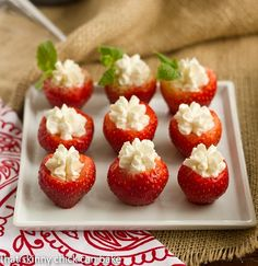 Transform luscious, juicy berries into an appetizer or bite-sized dessert with this delectable recipe for Mascarpone Filled Strawberries. Mini Desserts, Just Desserts, Delicious Desserts, Wedding Desserts, Plated Desserts, Mascarpone Recipes, Mascarpone Cheese, Marscapone Dessert, Gourmet Recipes