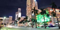 m-nmiami2-shutterstock_116086717-Miami-downtown-street-view-at-night-with-hotels.jpg (800×400)