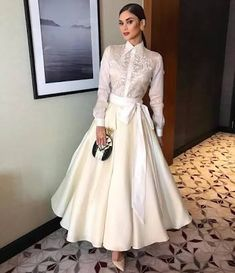 Pin by Honey Mae on Fashion: Barong Modern Filipiniana Gown, Filipiniana Wedding, Grad Dresses, Cute Dresses, Wedding Dresses, Filipino Fashion, Classy Outfits, Couture Fashion, Mantel