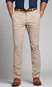 Khakis should be a staple in every man's wardrobe. This neutral pant is classic and can be nicely paired with pretty much any shirt.