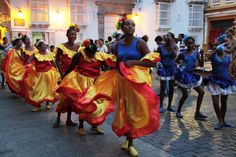 Los bailarines en las calles de Cartagena