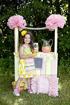 Pallet recycled into lemonade stand. Maybe I could use this idea for the Grocery Store Birthday party theme!