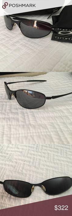 d3a30f5e472 Oakley Plutonite Sunglasses unisex wire mirrored Great used Oakley sun  glasses. Some light scratches.