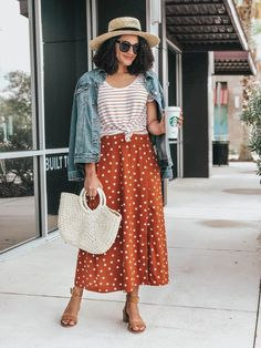 Been wanting to mix prints but don't know where to start? Here is how I mixed prints for this outfit and tips on how you can mix prints to! Mix Match Outfits, Casual Chique, Mode Chic, Fashion Tips For Women, Female Fashion, Fashion Ideas, Looks Vintage, Mixing Prints, Fashion Prints
