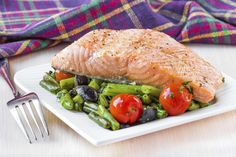 Somon cu sos pesto si fasole verde a la jamie oliver