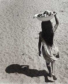Niña sombra (Shadow Girl), Santa María de Mar, Oaxaca ARTIST:Rodrigo Moya (Mexican, b.1934) WORK DATE: 1960