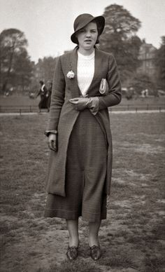 The 1920s is the decade in which fashion entered the modern era. It was the decade in which women first abandoned the more restricting fashi...