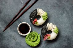 The latest made-for-Instagram food: Sushi doughnuts. Seriously  https://www.washingtonpost.com/news/food/wp/2017/02/28/the-latest-made-for-instagram-food-sushi-doughnuts-seriously/?utm_term=.1d204e244b7f