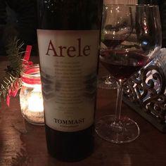 Hard monday??? Keep calm and good wine! Arele by Tommasi winery @vininorden #Arele #Tommasi #monday #mondaymotivation #mondayafterwork #mondaywork #wine #redwine #winetour #winetravel #winered #wineries #fb #tw #pin #winepairing #winepic #rødvin #godvin #mondaywine #Mandag #bløde #røde #vinter #arbejde