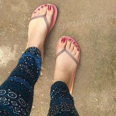@pesdemillene #podolatria #pesfemininos #pezinhos #feetish #foot #feet #toes #nails #soles ...
