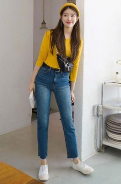 Solid Tone Round Neck Top in 2020 Korean Casual Outfits, Korean Fashion Casual, Korean Fashion Trends, Korean Street Fashion, Basic Outfits, Korea Fashion, Ootd Fashion, Asian Fashion, Trendy Outfits