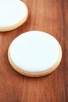Opskrift på Royal Icing (RI) til dekoration af cookies og kager - fines.dk