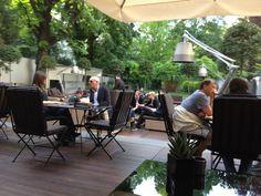 http://www.milandesignagenda.com/wp-content/uploads/2015/07/Things-to-do-in-Milan-Top-10-best-aperitivo-spots-for-this-Summer-Bulgari-Milan-outdoor-bar.jpg
