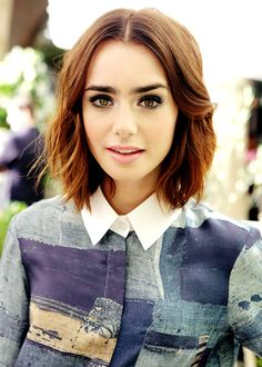Lily Collins: hair length