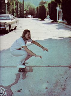 Here you will find all the amazing pictures of Jodie Foster. Jodie Foster Young, Pretty People, Beautiful People, The Last Movie, Skate Style, Cool Rocks, American Women, Aesthetic Clothes, The Fosters