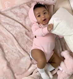 Xnxvra mixed baby belles femmes noires baby beautiful black mixed w baby beautiful belles black femmes Cute Mixed Babies, Cute Black Babies, Black Baby Girls, Beautiful Black Babies, Cute Little Baby, Baby Kind, Pretty Baby, Cute Baby Girl, Little Babies